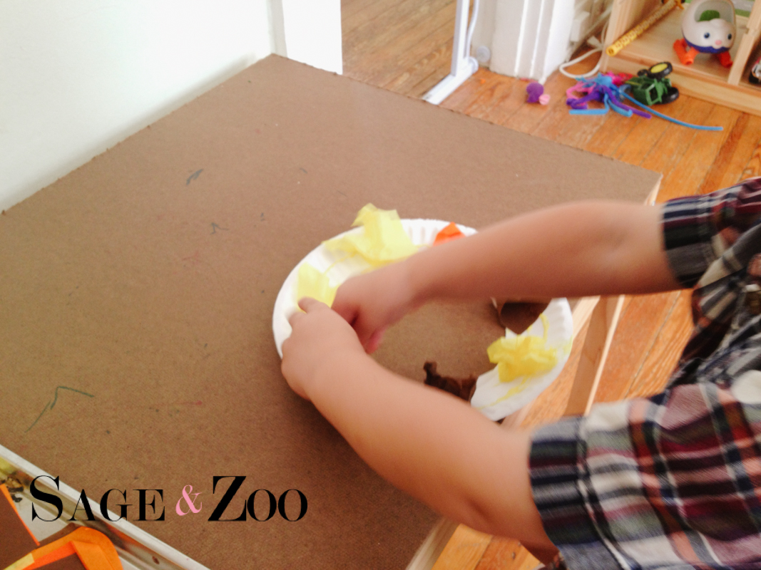 Lion Craft for Toddlers-adding the paper